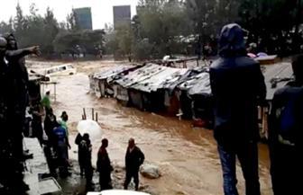 وفاة 24 شخصا جراء انهيارات أرضية وفيضانات في كينيا