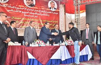 """محافظ أسيوط ووفد القوى العاملة يطلقان مبادرة """"مصر بكم أجمل"""" ويوزعان عقود عمل وشهادات """"أمان"""""""