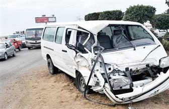 إصابة 18 مواطنا بحادث تصادم سيارة ميكروباص مع ملاكي بطريق السويس