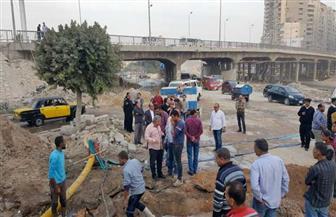 كسر ماسورة مياه رئيسية شرق الإسكندرية.. ورئيس الشركة يكشف موعد عودة الخدمة| صور