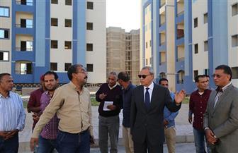 محافظ قنا يتفقد أعمال البنية التحتية وإنشاء الوحدات السكنية بمدينة غرب قنا| صور
