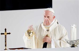 تعرف على سر ركوب بابا الفاتيكان سيارة غير مؤمنة خلال زيارته مصر | فيديو