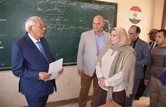 محافظ الدقهلية يحيل مديرة مدرسة بميت غمر للتحقيق بسبب التقصير | صور