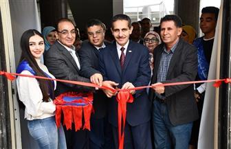 رئيس جامعة القناة يفتتح صالة المبارزة الجديدة بكلية التربية الرياضية | صور