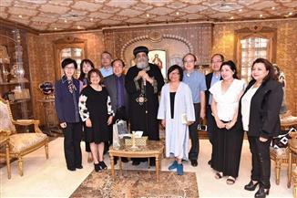البابا تواضروس يستقبل وفدًا من الكهنة الصينيين| صور