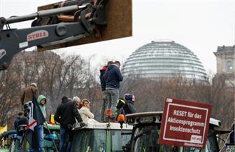 آلاف المزارعين يتظاهرون في برلين احتجاجا على السياسة البيئية