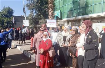 مسيرة نسائية تطالب بالحفاظ على حقوق المرأة بقانون الأحوال الشخصية | فيديو وصور
