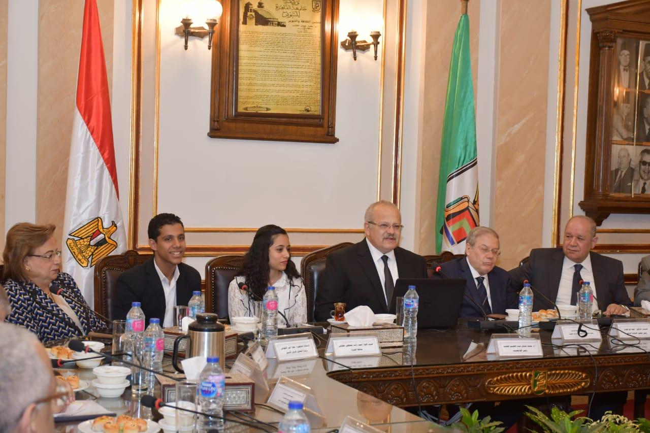 مجلس جامعة القاهرة يؤكددعم اتحادات الطلاب بكافة السبل -