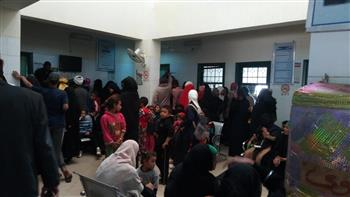 علاج 527 مريضا بقافلة جنوب الوادي بقرية الحبيلات الشرقية| صور