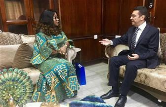 السفير المصري يبحث سبل تعزيز التعاون في رعاية الشباب والضمان الاجتماعي مع الجانب الغاني | صور