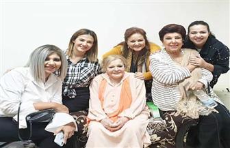 بوسي شلبي تزور نادية لطفي للاطمئنان على صحتها| صور