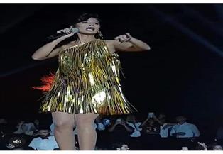 روبي تشعل حفل ختام مهرجان القاهرة برقصها على أغنيتها «ليه بيداري» | فيديو