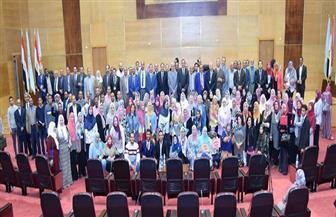 ١٧ توصية في ختام المؤتمر الدولي الأول بتربية سوهاج| صور