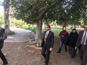 محافظ الغربية يتفقد حديقة الأندلس بطنطا.. ويوجه بالاهتمام بالمسطحات الخضراء| صور