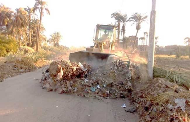 إزالة  طن قمامة ومخلفات للأتربة في قرى المحلة الكبرى