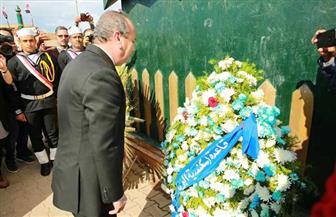 بدء احتفالات كفر الشيخ بالعيد القومي بوضع أكاليل الزهور على نصب شهداء البرلس | صور