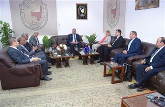 جامعة سوهاج تناقش واقع وطموحات التربية الرياضية بمصر مع جامعة أوفيدوس الرومانية | صور