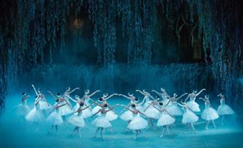 """مسرح البحرين الوطني يستضيف عرض """"بحيرة البجع"""" الأسبوع المقبل في ذكرى تأسيسه"""