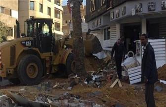 حملة لإزالة التعديات بسوق المنهل بمدينة نصر وغلق الكافيهات بمصر الجديدة
