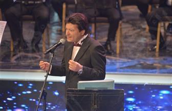 محمد الحلو يداعب جمهوره بمهرجان الموسيقى العربية | صور