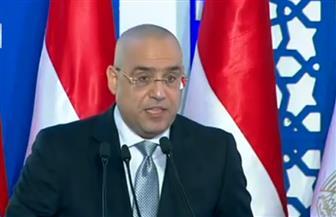 وزير الإسكان يقدم عرضا أمام الرئيس السيسي حول مشروعات الوزارة في السويس وسيناء