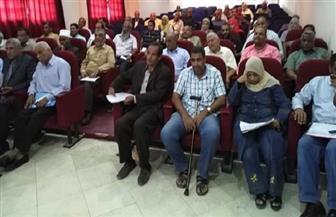 رئيس مدينة القصير يترأس اجتماع المجلس التنفيذي بحضور مديري الإدارات| صور