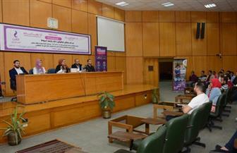 طرح 200 فرصة عمل لخريجي جامعة أسيوط في ملتقى توظيفي| صور