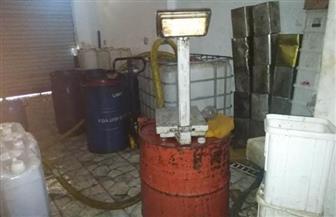 التحفظ على 3 أطنان عسل نحل وزيت زيتون في مصنع بدون ترخيص بالشرقية |صور