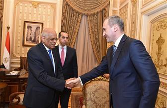 رئيس البرلمان يستقبل سفير بيلاروسيا الجديد بالقاهرة | صور