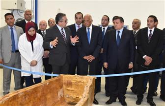 وفد برلماني برئاسة عبد العال في زيارة للمتحف المصري الكبير | صور