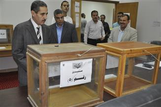 رئيس جامعة القناة يتفقد بداية المرحلة الأولى للانتخابات الطلابية |صور