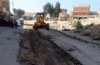 بدء رصف الشوارع بمدينة مرسى مطروح بعد توصيل البنية الأساسية لها |صور