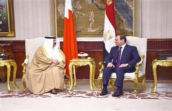 تفاصيل لقاء الرئيس السيسي بالعاهل البحريني | فيديو وصور