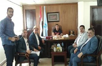 رئيس مدينة مرسى علم يبحث إقامة مشروعات عمرانية   صور