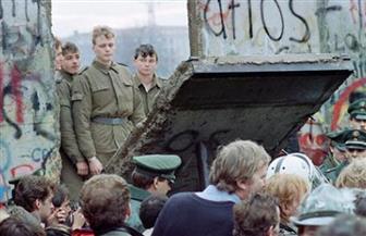 انهار فجأة مثلما ظهر..7 حقائق عن جدار برلين في الذكرى الثلاثين لسقوطه  صور