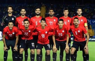لاعبو منتخب مصر يتفاعلون مع الجماهير خلال افتتاح أمم إفريقيا للشباب