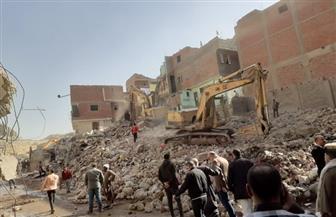 استمرار إزالات مناطق الخطورة الجيولوجية بمنشأة ناصر والانتهاء من تسكين 370 أسرة