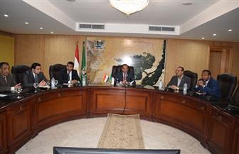 في أول لقاء مع المسئولين.. محافظ الفيوم يشدد على حصر أملاك الدولة