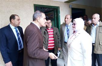 محافظ كفر الشيخ يتفقد مدرستين بقلين والحمراوي ويكرم معلمة رياضيات | صور