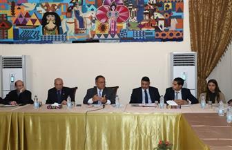 نائب رئيس جامعة عين شمس لاتحاد الطلاب: الاهتمام بالشأن المحلي سبيل الوصول للعالمية | صور