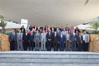 رئيس جامعة الزقازيق يشارك في أعمال اجتماع مجلس أمناء الشبكة القومية لأبحاث السرطان بالإسكندرية | صور