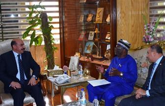 محافظ أسوان يستقبل وزير خارجية نيجيريا الأسبق