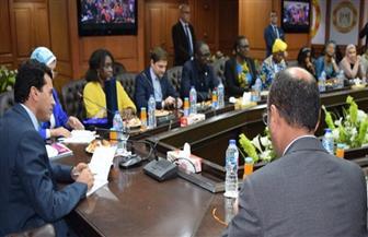 وزير الشباب يلتقي المشاركات بالنسخة الثالثة لبرنامج «كود إفريقيا» لرائدات الأعمال