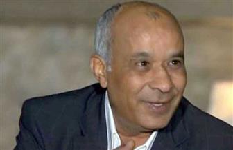 نجوم الفن يشيعون جنازة المخرج المسرحي محسن حلمي