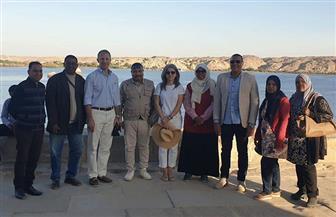 السفير الأمريكي يزور معبد فيلة بأسوان