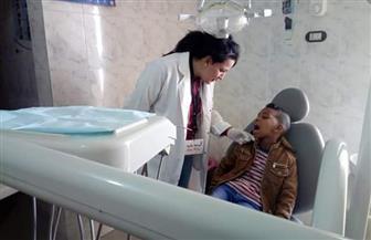 الكشف على 148 حالة خلال قافلة طبية مجانية بقرية أم الحويطات بسفاجا | صور
