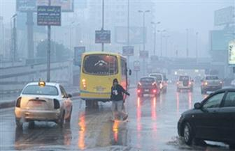 """مع """"هطول الأمطار"""".. """"المرور"""" تناشد قائدي السيارات الالتزام بالسرعات المقررة"""