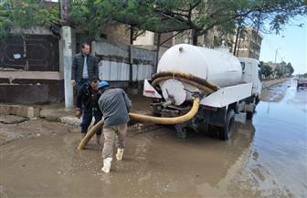 """""""القابضة لمياه الشرب"""" تدفع بـ 210 معدات للتعامل مع مياه الأمطار بالقاهرة والجيزة والقليوبية"""