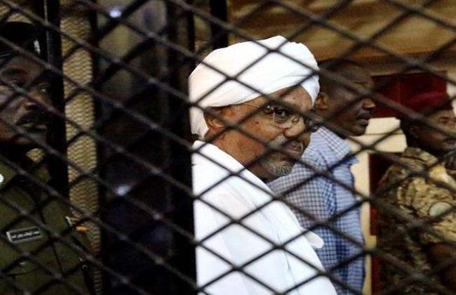 السودان إنهاء خدمة عدد من العاملين بالدولة بينهم قضاة