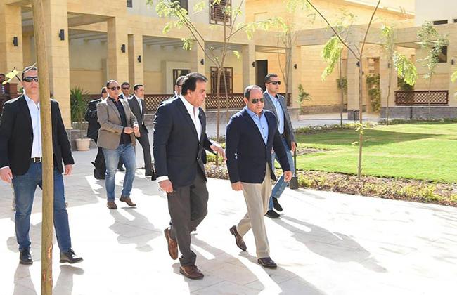 تفاصيل زيارة الرئيس السيسي لفرع جامعة الملك سلمان الدولية بمدينة شرم الشيخ  صور -